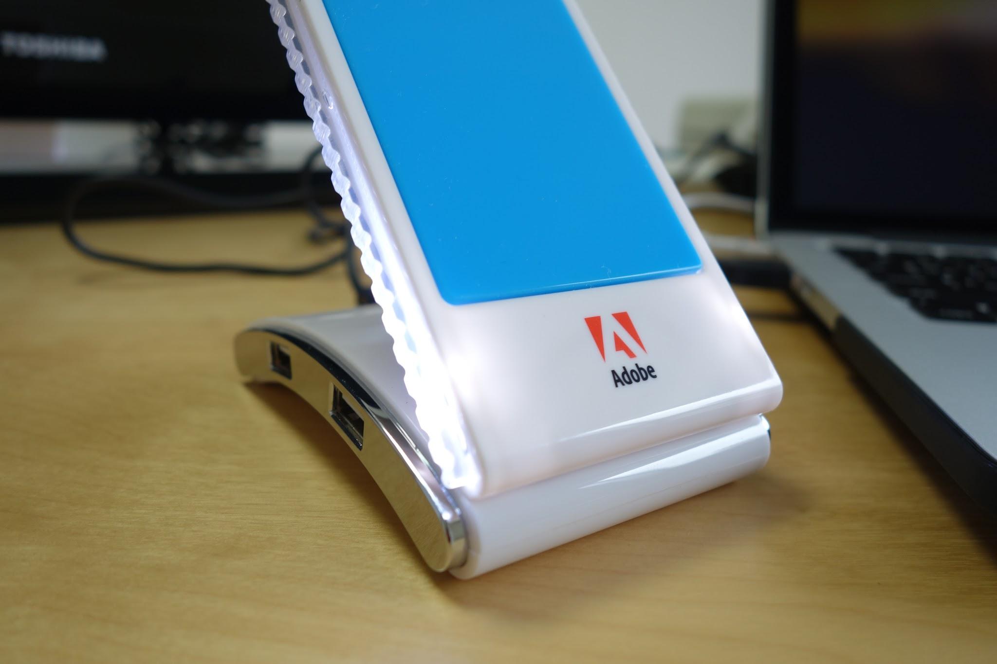 モバイルスタンドをゲット!USBハブにもなるしスマホ充電できるし意外と便利で大活躍