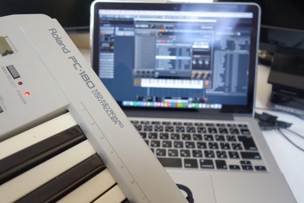 MIDIキーボードを使ってインストゥルメントサウンドを鳴らしてみた