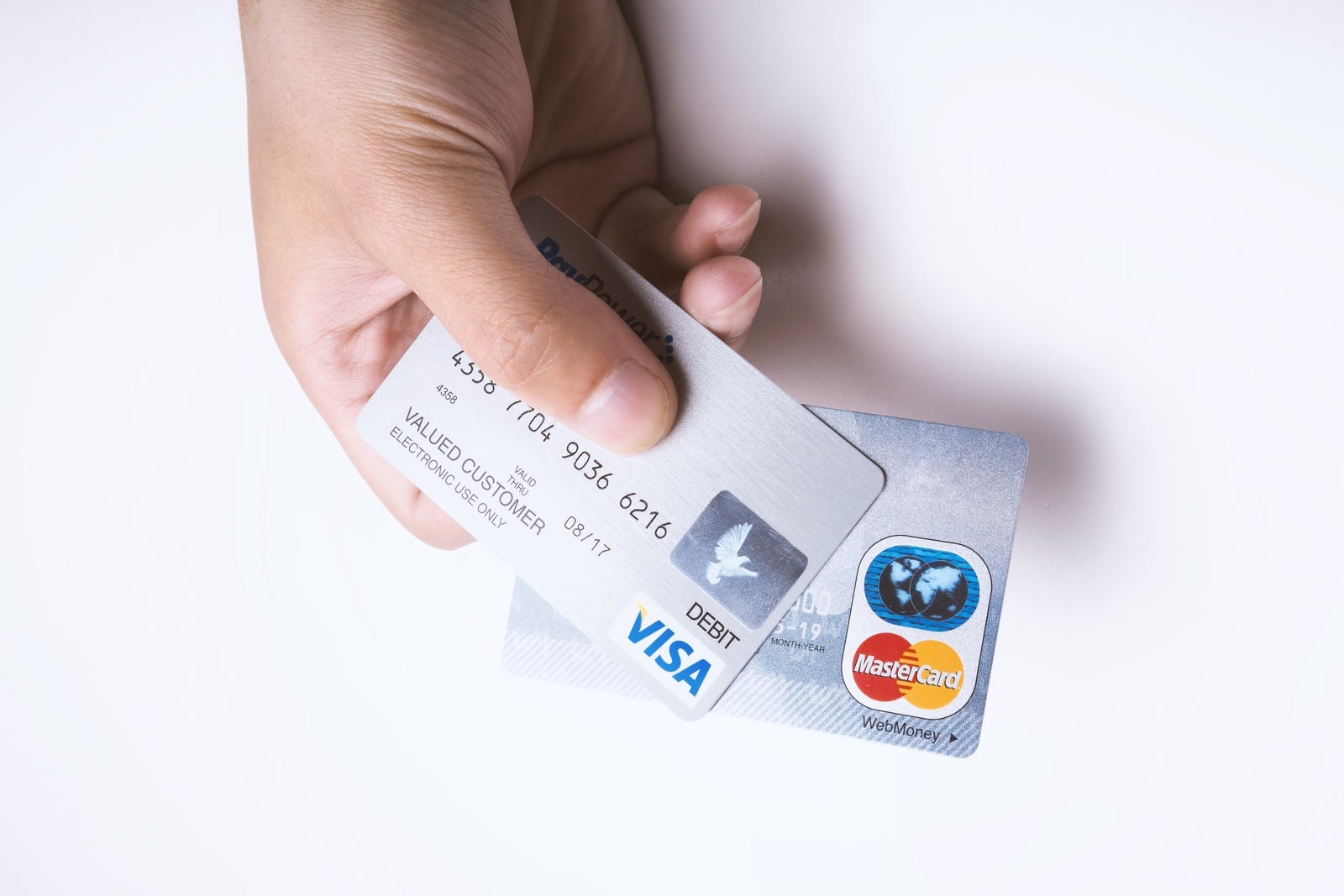 完全思考停止!クレジットカードだといくら使ったかわからないから現金で払う主婦