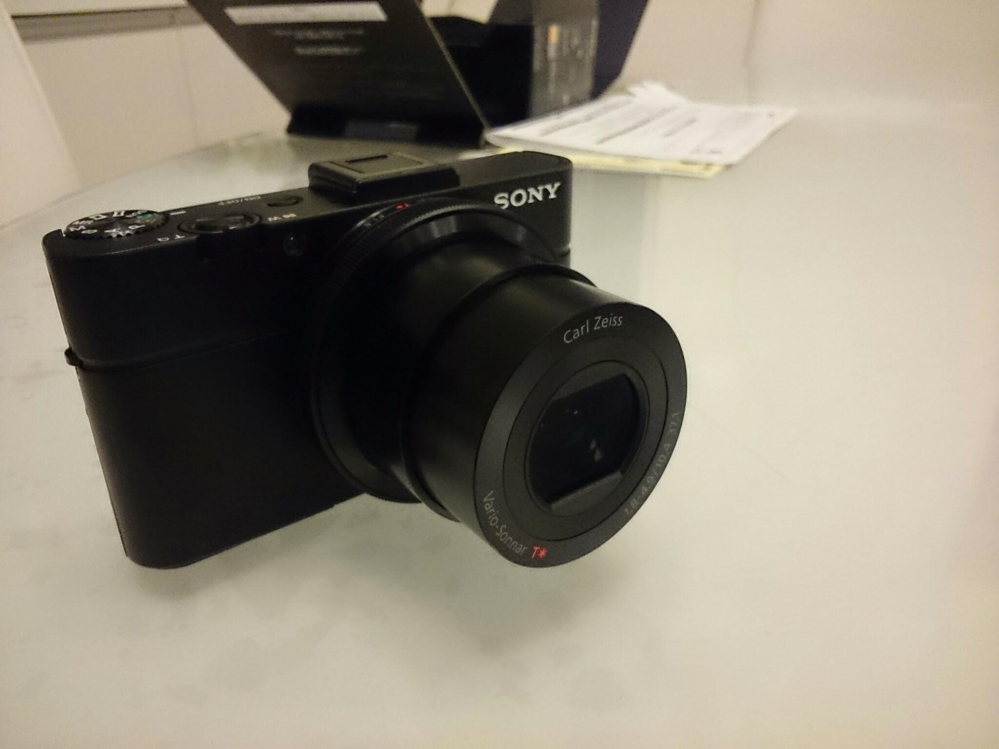 スマホカメラじゃ夜の撮影や商品撮影ができないのでソニーのDSC-RX100M2を買ってみた