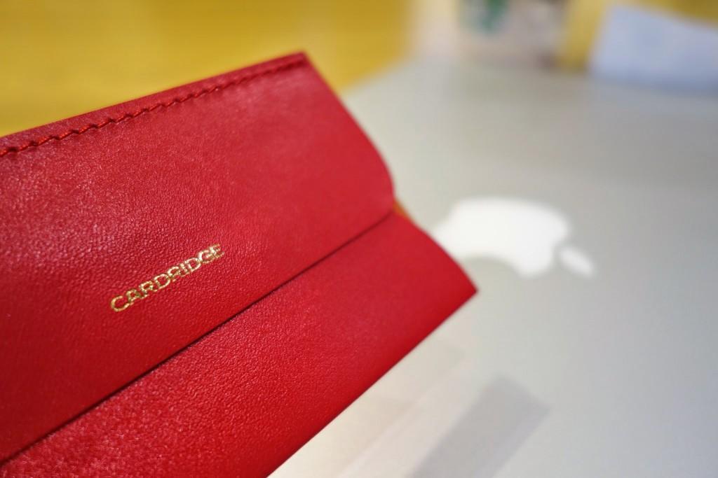 マネークリップより使える!薄い!財布やカード入れとしても使える革の名刺入れカードリッジdünnの衝撃レビュー