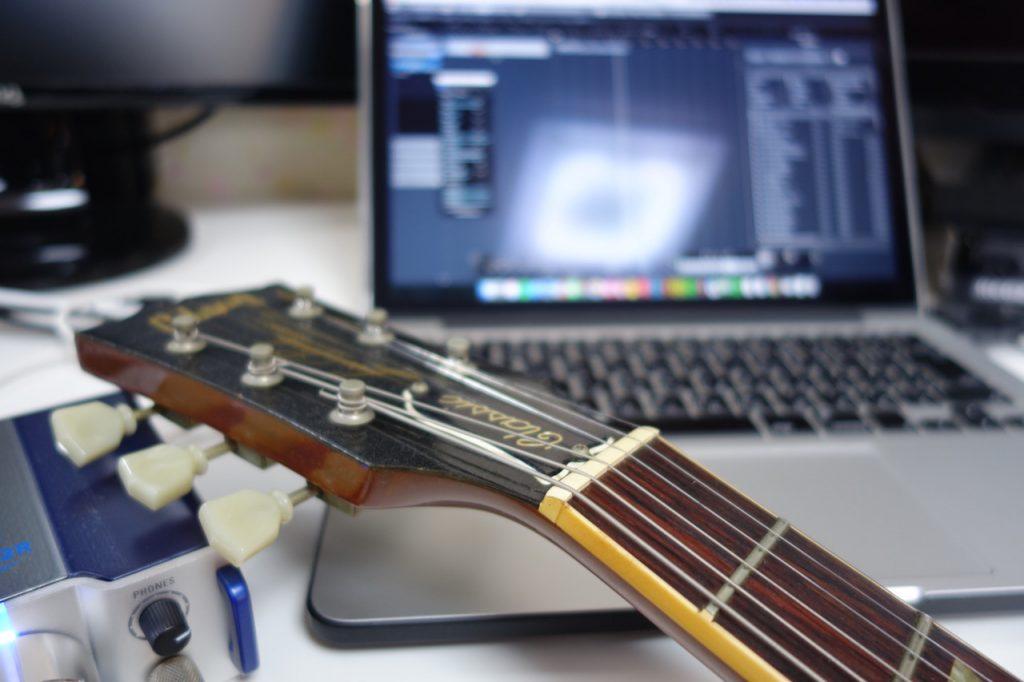 TAC-2Rにギターを繋いでエフェクトをかけてみた