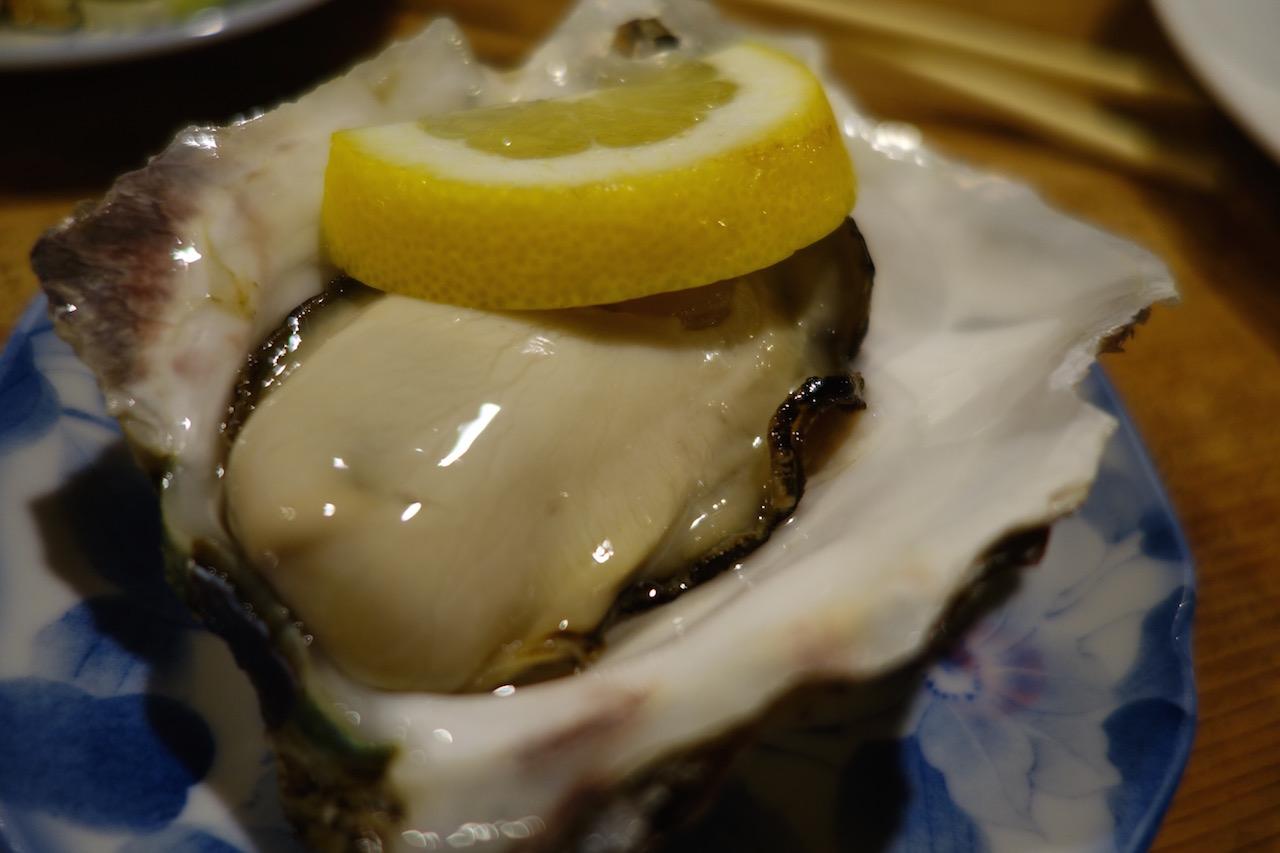 海士町のスーパー岩牡蠣「春香」を食べた