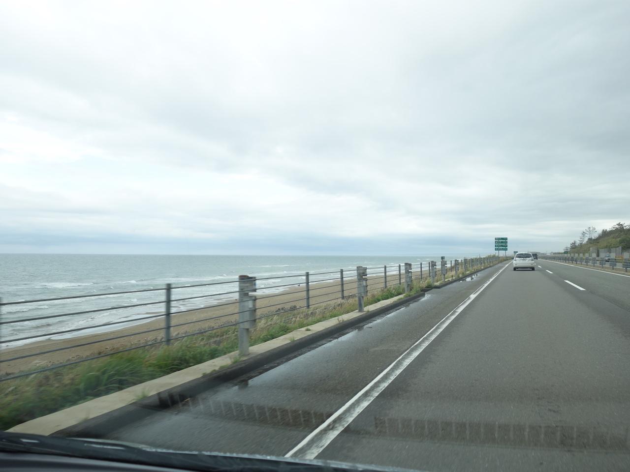 北陸石川県を訪れたなら千里浜なぎさドライブウェイを外すことはできませんね!