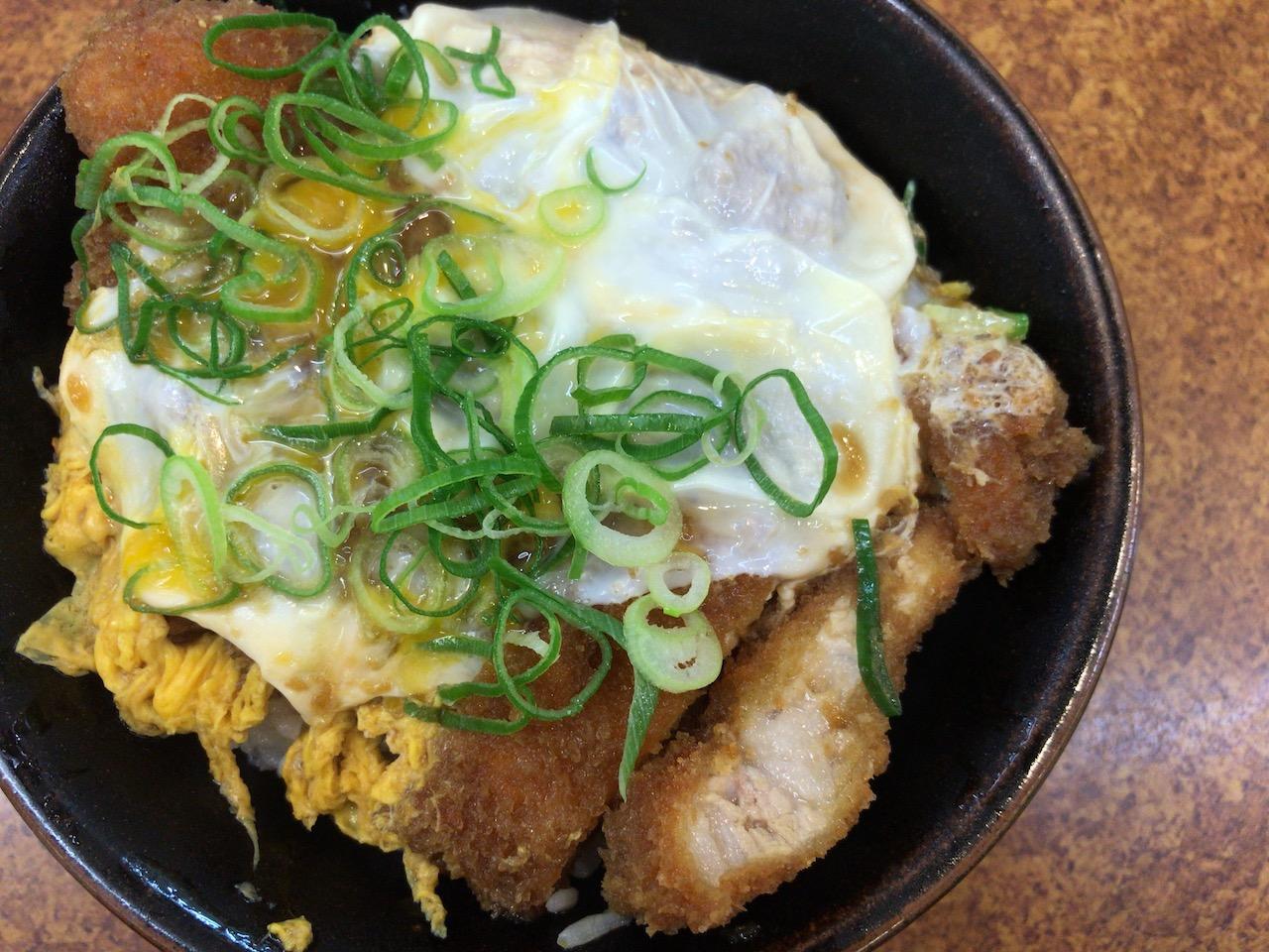 神戸2日目!吉兵衛のかつ丼は美味い!そしてネットカフェに泊まるというね
