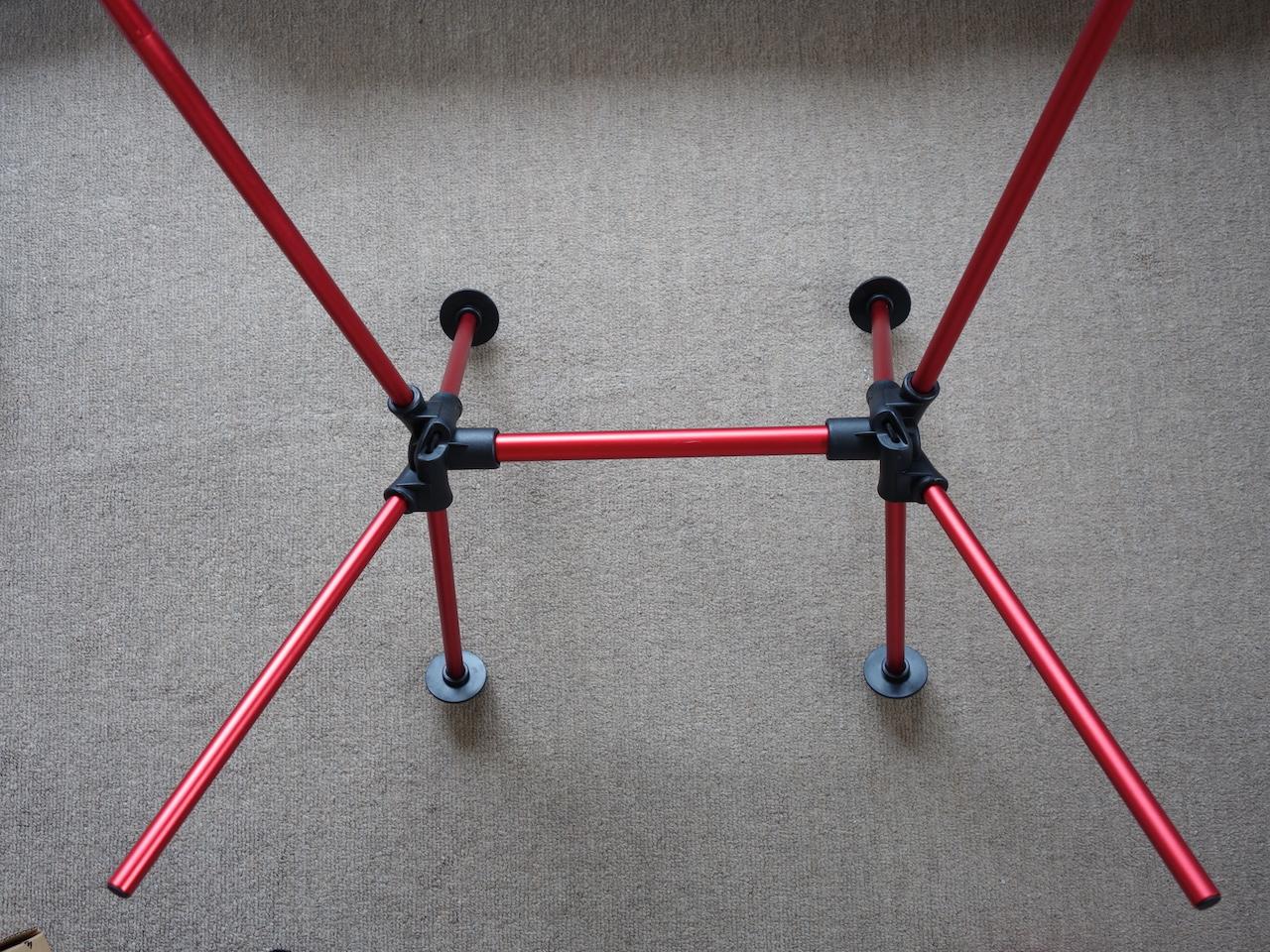 コンパクトに収納できる折りたたみチェアがキャンプや車中泊で役立ちそう