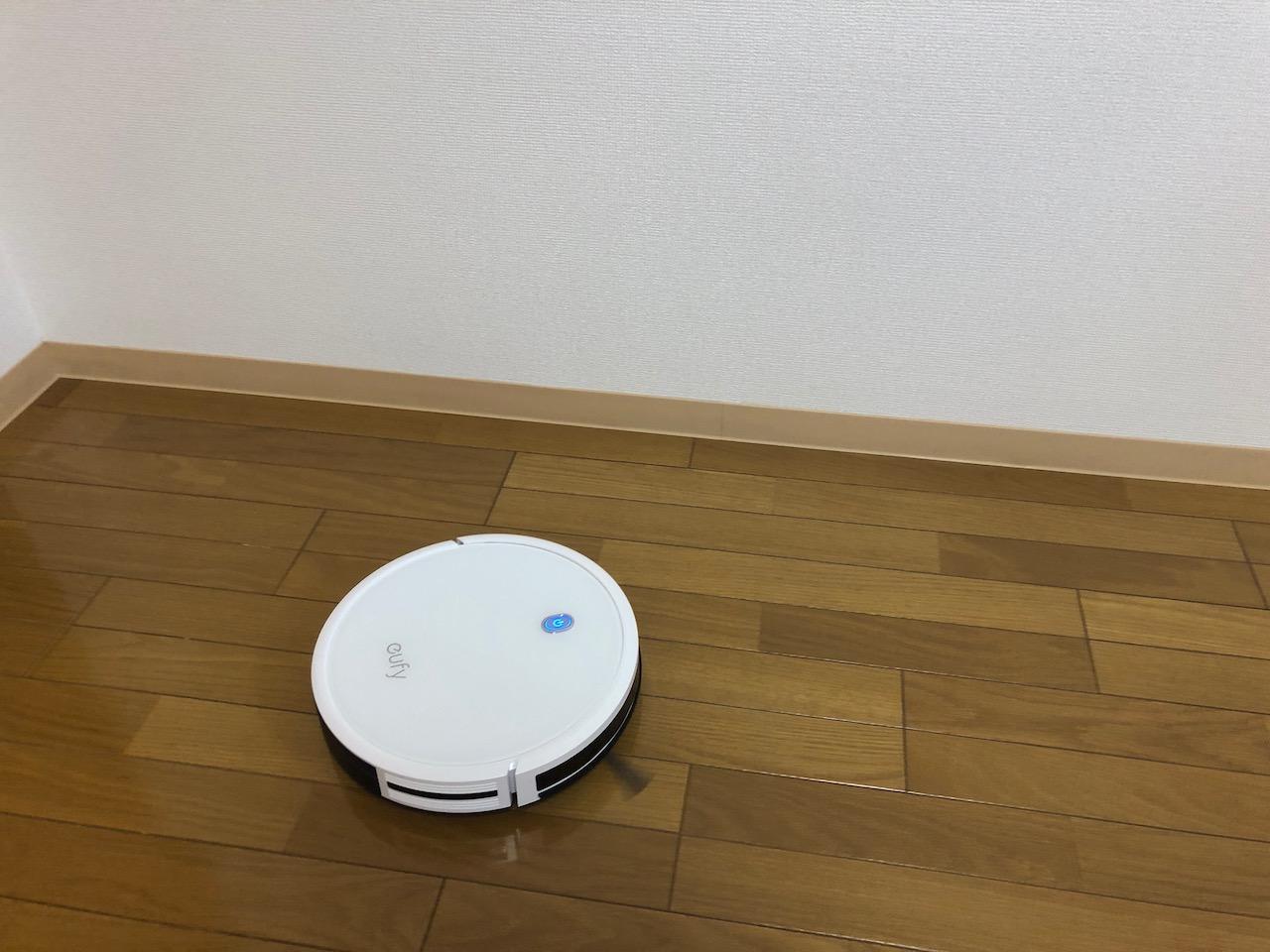 静か!ルンバの時代は終わった?格安のEufy RoboVac 11Sというロボット掃除機を買ってみた!お馴染みのAnker製品だぜ